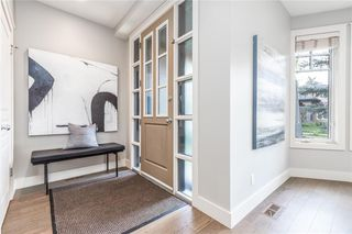 Photo 2: 2337 7 Avenue NW in Calgary: West Hillhurst Semi Detached for sale : MLS®# C4303358
