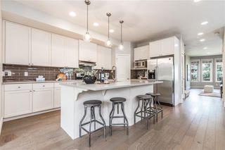 Photo 7: 2337 7 Avenue NW in Calgary: West Hillhurst Semi Detached for sale : MLS®# C4303358