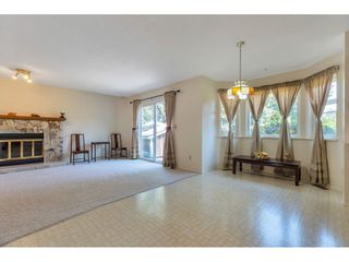Photo 3: 9324 154A Street in Surrey: Fleetwood Tynehead House for sale : MLS®# R2481901