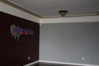 Photo 2: 19015 83 Avenue in Edmonton: Zone 20 House for sale : MLS®# E4173606