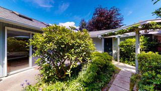 "Photo 1: 5824 MEDUSA Street in Sechelt: Sechelt District House for sale in ""DOWNTOWN"" (Sunshine Coast)  : MLS®# R2458155"