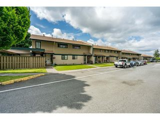 """Main Photo: 56 5850 177B Street in Surrey: Cloverdale BC Townhouse for sale in """"DOGWOOD GARDEN"""" (Cloverdale)  : MLS®# R2463380"""