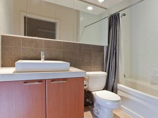 """Photo 6: 710 1333 W GEORGIA Street in Vancouver: Coal Harbour Condo for sale in """"THE QUBE"""" (Vancouver West)  : MLS®# R2420548"""