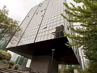 """Photo 10: 710 1333 W GEORGIA Street in Vancouver: Coal Harbour Condo for sale in """"THE QUBE"""" (Vancouver West)  : MLS®# R2420548"""