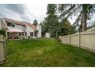 Photo 18: 6112 E GREENSIDE DRIVE in Surrey: Cloverdale BC Townhouse for sale (Cloverdale)  : MLS®# R2403144