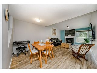 Photo 4: 6112 E GREENSIDE DRIVE in Surrey: Cloverdale BC Townhouse for sale (Cloverdale)  : MLS®# R2403144
