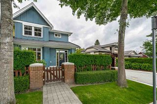 Photo 3: 10 4887 CENTRAL Avenue in Delta: Hawthorne Townhouse for sale (Ladner)  : MLS®# R2470808