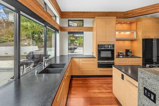 Photo 10: 2802 Arbutus Rd in : SE Ten Mile Point Single Family Detached for sale (Saanich East)  : MLS®# 850662