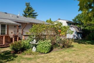 Photo 19: 1665 Sheridan Ave in : SE Mt Tolmie House for sale (Saanich East)  : MLS®# 854775