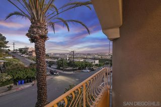 Photo 3: MISSION HILLS Townhouse for sale : 3 bedrooms : 3651 Columbia St in San Diego