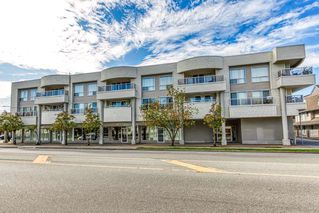 """Photo 1: 305 13771 72A Avenue in Surrey: East Newton Condo for sale in """"Newtown Plaza"""" : MLS®# R2409474"""
