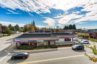 """Photo 14: 305 13771 72A Avenue in Surrey: East Newton Condo for sale in """"Newtown Plaza"""" : MLS®# R2409474"""