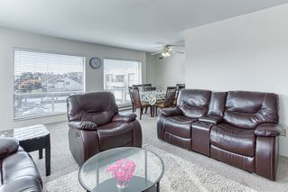 """Photo 5: 305 13771 72A Avenue in Surrey: East Newton Condo for sale in """"Newtown Plaza"""" : MLS®# R2409474"""