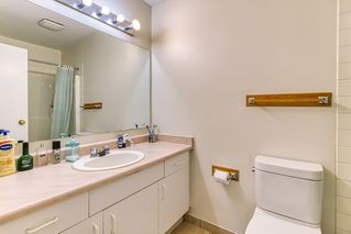 """Photo 12: 305 13771 72A Avenue in Surrey: East Newton Condo for sale in """"Newtown Plaza"""" : MLS®# R2409474"""