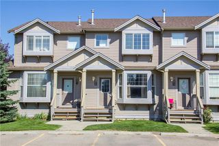 Photo 1: 802 2005 LUXSTONE Boulevard SW: Airdrie Row/Townhouse for sale : MLS®# C4287850