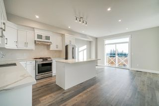 """Photo 8: 11 21102 76 Avenue in Langley: Willoughby Heights Townhouse for sale in """"Alara"""" : MLS®# R2446978"""
