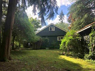 """Photo 4: 8890 BARTLETT Street in Langley: Fort Langley House for sale in """"Fort Langley"""" : MLS®# R2477510"""