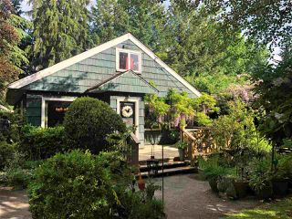 """Photo 1: 8890 BARTLETT Street in Langley: Fort Langley House for sale in """"Fort Langley"""" : MLS®# R2477510"""