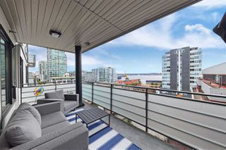 Photo 1: 511 123 W 1ST Street in North Vancouver: Lower Lonsdale Condo for sale : MLS®# R2479841