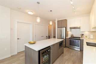Photo 9: 511 123 W 1ST Street in North Vancouver: Lower Lonsdale Condo for sale : MLS®# R2479841