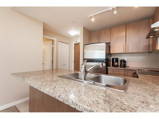 "Photo 12: 3209 898 CARNARVON Street in New Westminster: Downtown NW Condo for sale in ""Plaza 88 Azure 1"" : MLS®# R2481548"