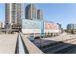 "Photo 21: 3209 898 CARNARVON Street in New Westminster: Downtown NW Condo for sale in ""Plaza 88 Azure 1"" : MLS®# R2481548"