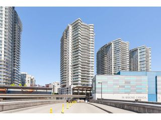 "Photo 1: 3209 898 CARNARVON Street in New Westminster: Downtown NW Condo for sale in ""Plaza 88 Azure 1"" : MLS®# R2481548"