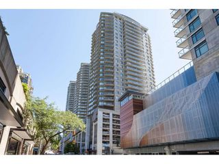 "Photo 2: 3209 898 CARNARVON Street in New Westminster: Downtown NW Condo for sale in ""Plaza 88 Azure 1"" : MLS®# R2481548"