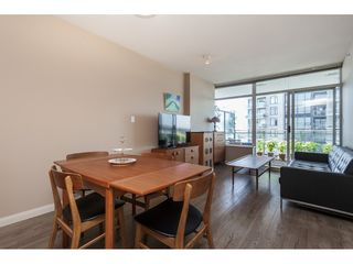 "Photo 3: 3209 898 CARNARVON Street in New Westminster: Downtown NW Condo for sale in ""Plaza 88 Azure 1"" : MLS®# R2481548"