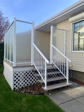 Photo 15: 903 YOUVILLE Drive W in Edmonton: Zone 29 House Half Duplex for sale : MLS®# E4174127
