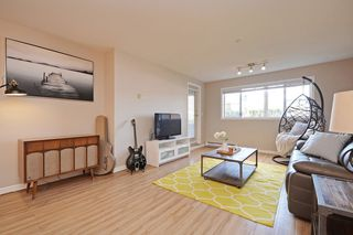 "Photo 2: 124 3 RIALTO Court in New Westminster: Quay Condo for sale in ""The Rialto"" : MLS®# R2411865"