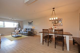 "Photo 5: 124 3 RIALTO Court in New Westminster: Quay Condo for sale in ""The Rialto"" : MLS®# R2411865"