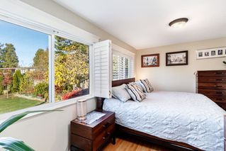 Photo 12: 1541 BREARLEY Street: White Rock House for sale (South Surrey White Rock)  : MLS®# R2416709