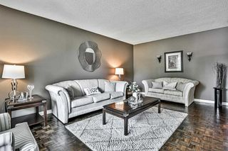 Photo 8: 124 Goldsmith Crescent in Newmarket: Armitage House (2-Storey) for sale : MLS®# N4792301