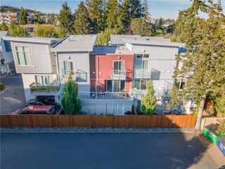 Photo 2: 118 2737 Jacklin Rd in : La Langford Proper Row/Townhouse for sale (Langford)  : MLS®# 855644
