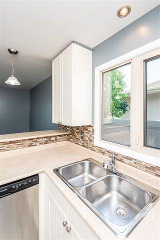 Photo 9: 3706 41 Avenue NW in Edmonton: Zone 29 House for sale : MLS®# E4208729