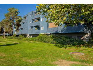 "Photo 24: 304 17661 58A Avenue in Surrey: Cloverdale BC Condo for sale in ""WYNDHAM ESTATES"" (Cloverdale)  : MLS®# R2506533"