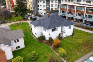 Main Photo: 2816 Irma St in : Vi Burnside House for sale (Victoria)  : MLS®# 859303
