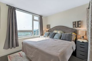 """Photo 11: 2701 5515 BOUNDARY Road in Vancouver: Collingwood VE Condo for sale in """"WALL CENTRE CENTRAL PARK NORTH"""" (Vancouver East)  : MLS®# R2388589"""