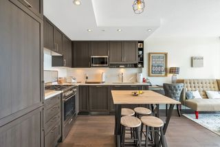 """Photo 6: 2701 5515 BOUNDARY Road in Vancouver: Collingwood VE Condo for sale in """"WALL CENTRE CENTRAL PARK NORTH"""" (Vancouver East)  : MLS®# R2388589"""