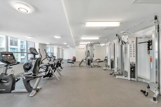 """Photo 14: 2701 5515 BOUNDARY Road in Vancouver: Collingwood VE Condo for sale in """"WALL CENTRE CENTRAL PARK NORTH"""" (Vancouver East)  : MLS®# R2388589"""