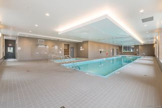 """Photo 15: 2701 5515 BOUNDARY Road in Vancouver: Collingwood VE Condo for sale in """"WALL CENTRE CENTRAL PARK NORTH"""" (Vancouver East)  : MLS®# R2388589"""
