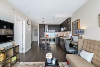 """Photo 8: 2701 5515 BOUNDARY Road in Vancouver: Collingwood VE Condo for sale in """"WALL CENTRE CENTRAL PARK NORTH"""" (Vancouver East)  : MLS®# R2388589"""