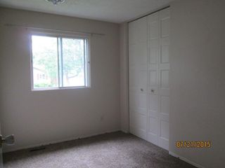 Photo 10: 23 Longview Crescent in St. Albert: House for rent