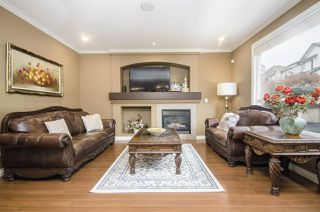 Photo 2: 6948 179 Street in Surrey: Cloverdale BC House for sale (Cloverdale)  : MLS®# R2419783