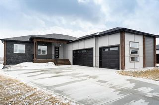 Photo 1: 35 Kendall Crescent in La Salle: RM of MacDonald Residential for sale (R08)  : MLS®# 202007596