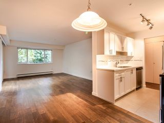 "Photo 9: 208 357 E 2ND Street in North Vancouver: Lower Lonsdale Condo for sale in ""Hendricks"" : MLS®# R2470726"