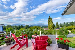 Main Photo: 5615 OAKGLEN Drive in Burnaby: Forest Glen BS House for sale (Burnaby South)  : MLS®# R2484475