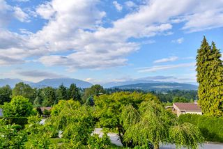Photo 3: 5615 OAKGLEN Drive in Burnaby: Forest Glen BS House for sale (Burnaby South)  : MLS®# R2484475