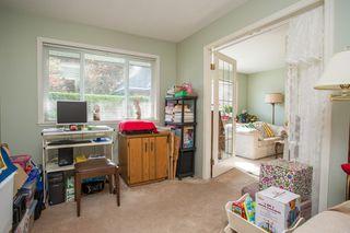 "Photo 17: 111 13959 16 Avenue in Surrey: Crescent Bch Ocean Pk. Condo for sale in ""White Rock Village (Wiltshire House )"" (South Surrey White Rock)  : MLS®# R2486697"